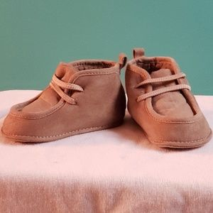 Baby soft slipper boots, fleece lined, size 3-6m